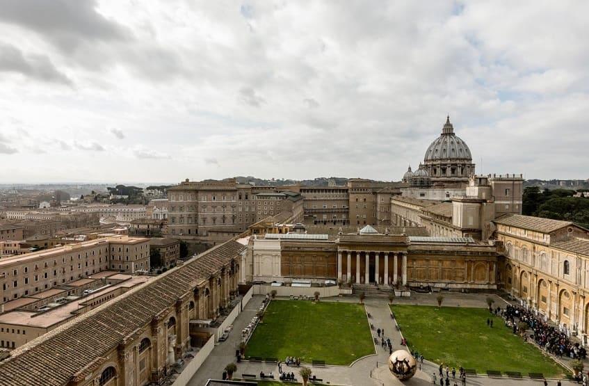 Дворец Бельведер в Ватикане - фото