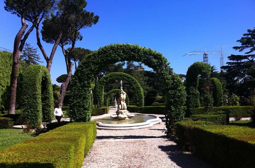 Французский сад - фото