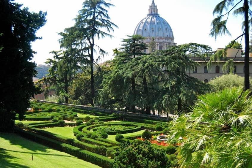 Красота Ватиканских садов - фото