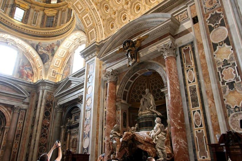 Гробница Александра VII в Соборе Святого Петра - фото