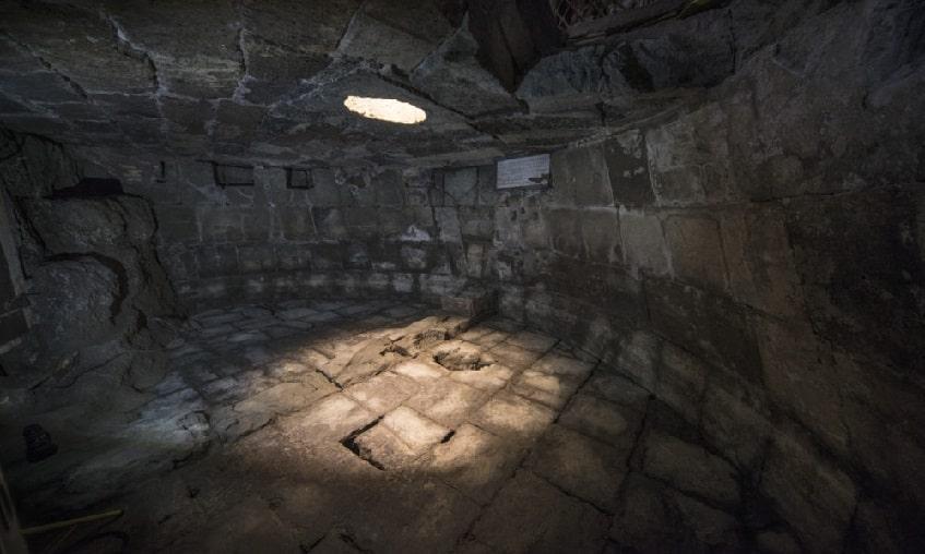 Туллианум в Мамертинской тюрьме - фото