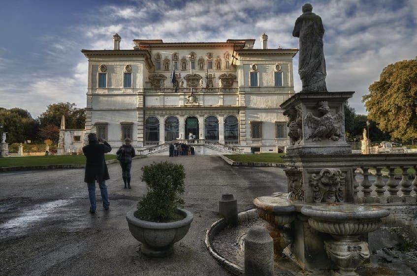 Здание галереи Боргезе в Риме - фото