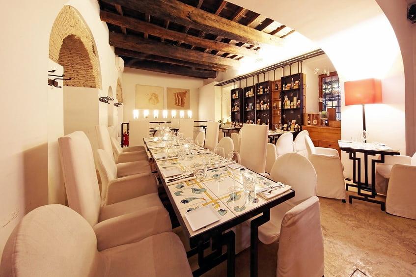 Семейные ресторан - Enoteca Ferrara - фото