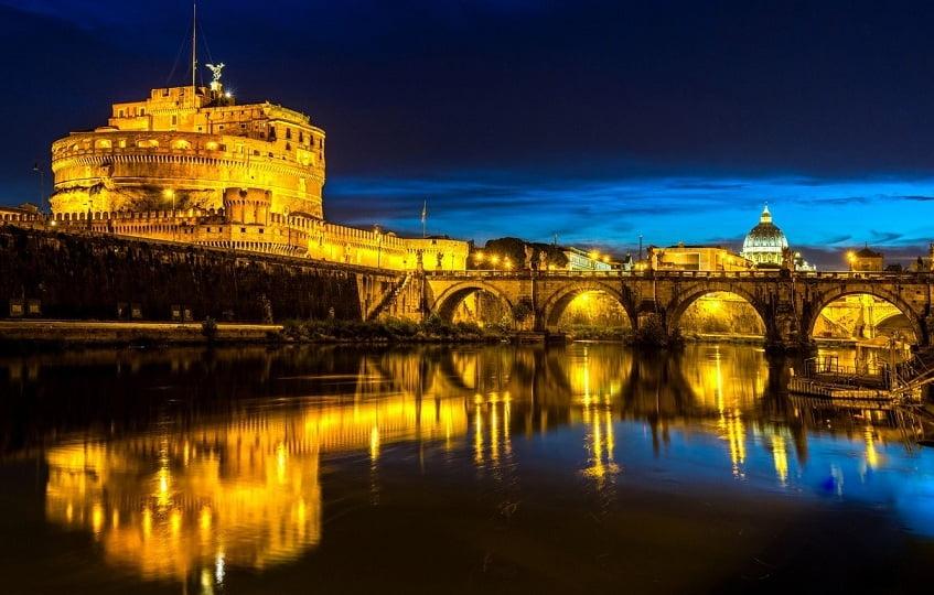 Мост к замку Святого Ангела - фото