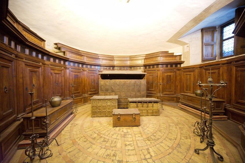 Зал казначейства - фото