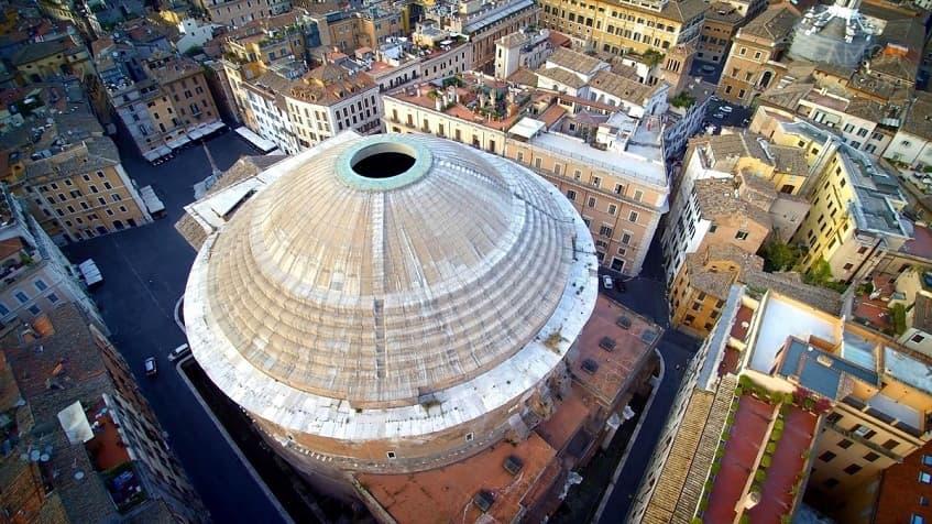Пантеон с высоты - фото