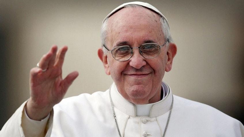 Папа Римский - фото