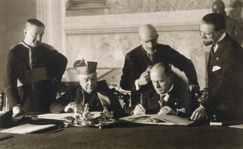 Подписание Латеранского договора - фото