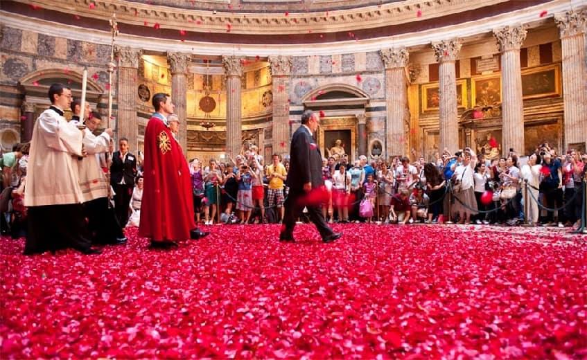Воскресенье роз в Пантеоне - фото