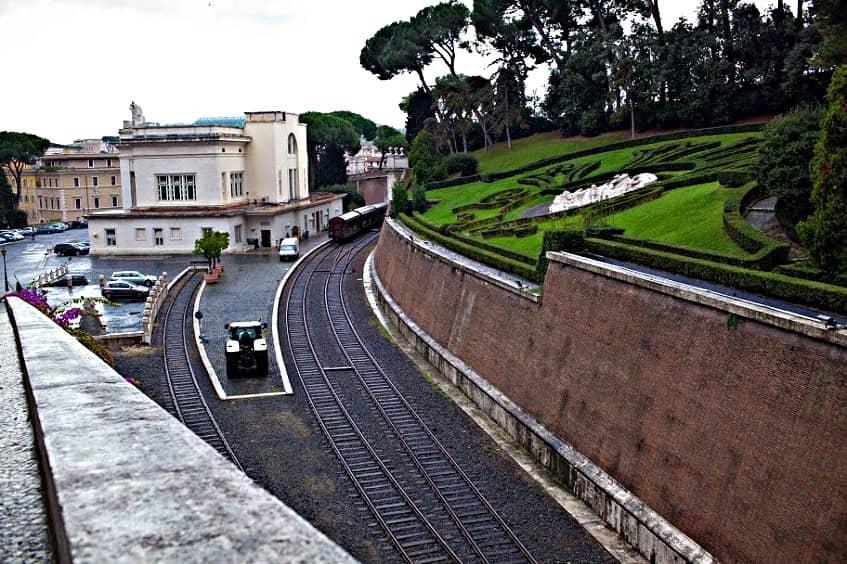Железнодорожная станция Ватикана - фото