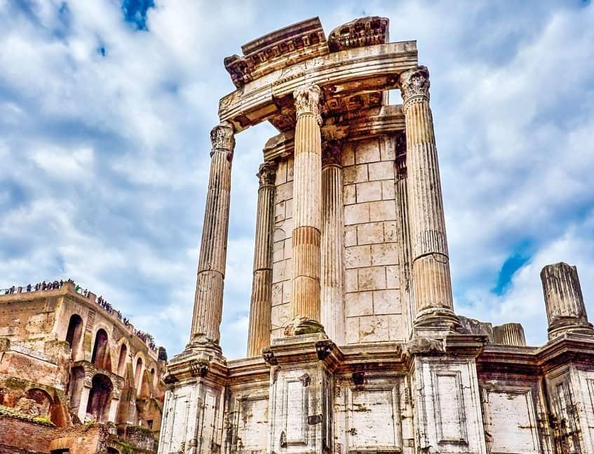 Храм Весты - фото