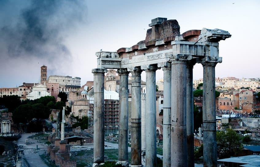 Тысячелетние колонны - фото