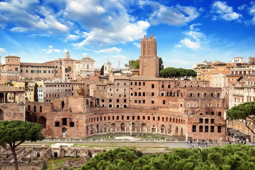 Рынок Траяна сегодня - фото